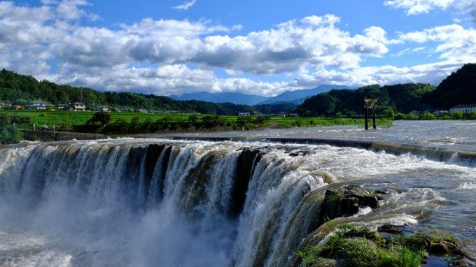 harajiri-waterfall-many