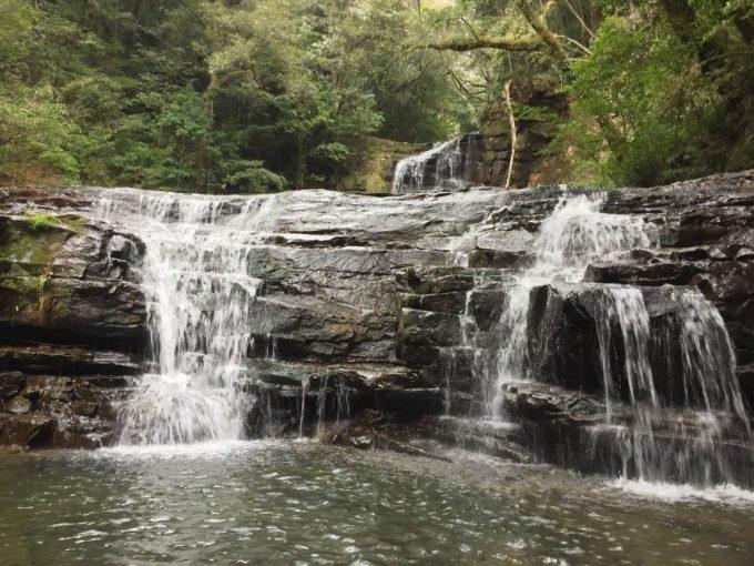 正面(アップ)から見る五重の滝