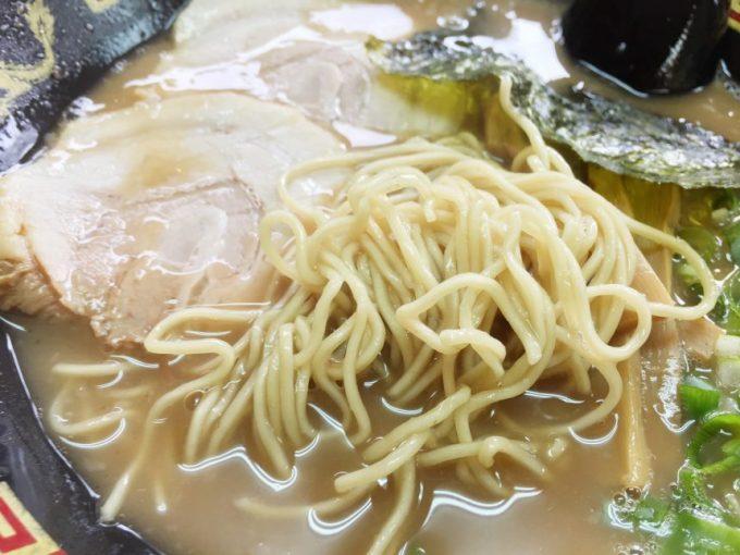 ラーメンの麺