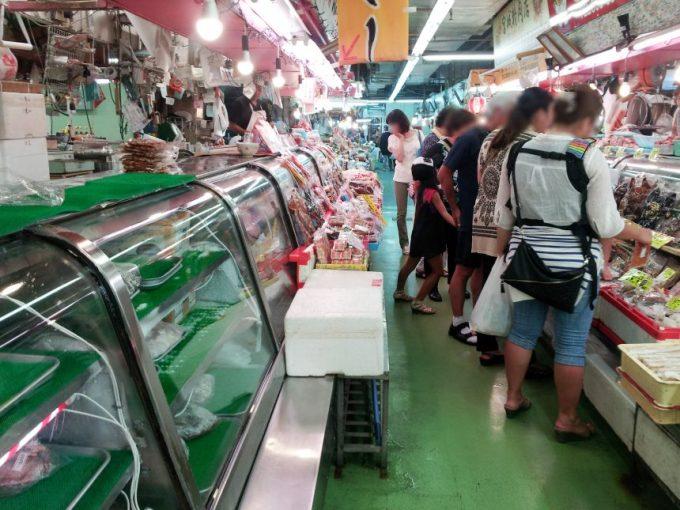 アジア感溢れる第一牧志公設市場