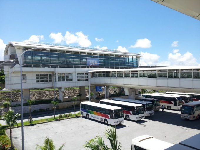 ゆいレール、沖縄空港
