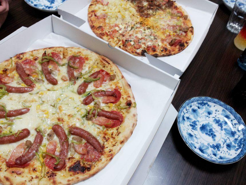 ボリューム満点の持ち帰りピザ