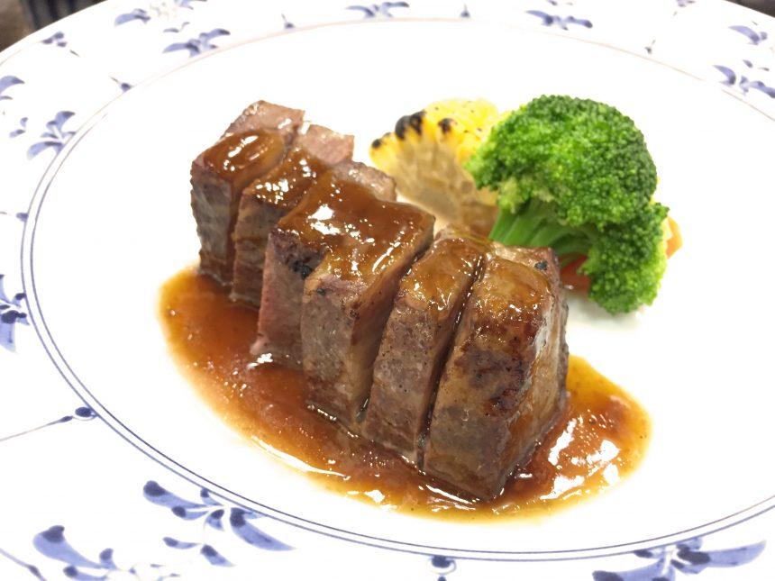 差が牛のステーキ