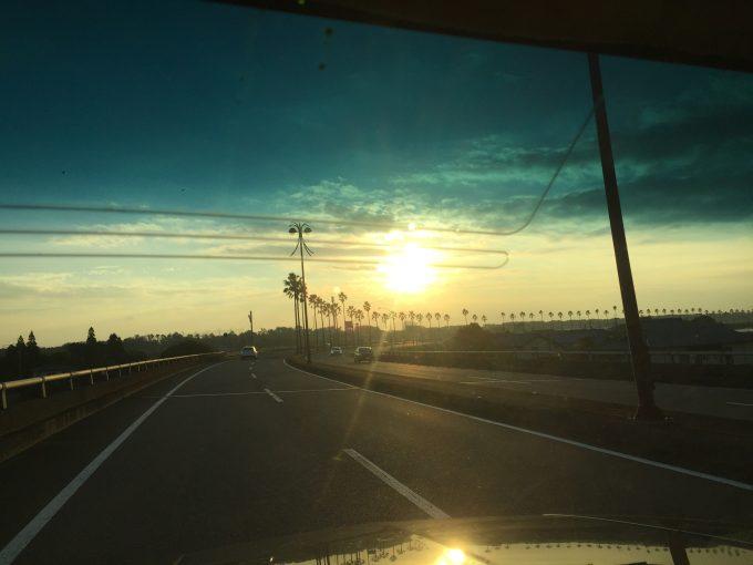 車からの日の出