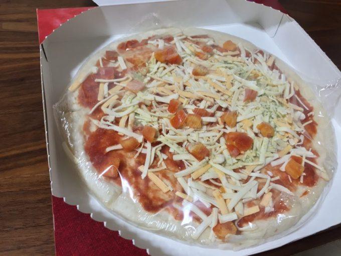 箱を開けた冷凍ピザマルゲリータ