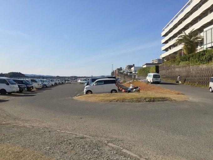 宮崎市役所の駐車場
