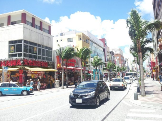国際通りのメインストリート
