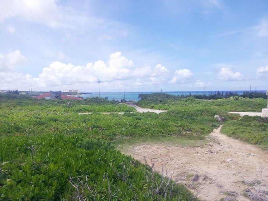 残波岬の道