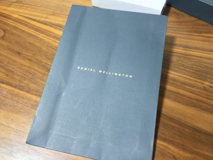 ダニエルウェリントンのプレゼント用包装