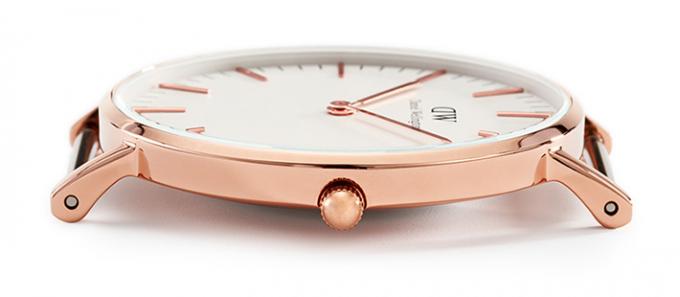 ダニエルウェリントンの腕時計ケースのアップ
