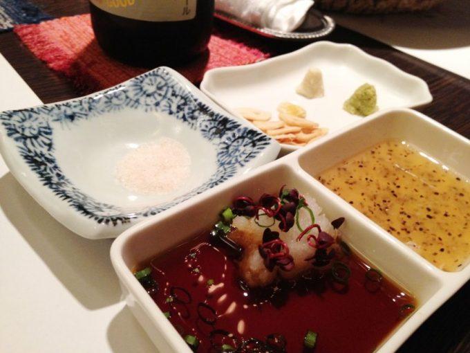 塩やわさびなど色々なタレ