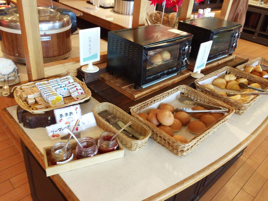 休暇村志賀島の朝食、パンコーナー