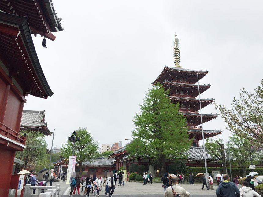 浅草寺境内にある五重塔