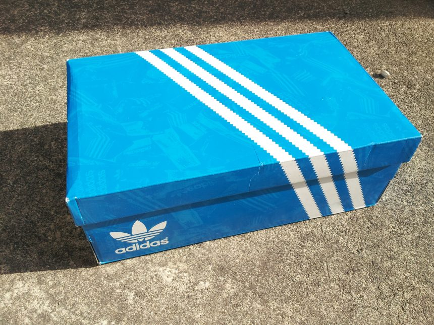 オリジナルスタンスミスの箱