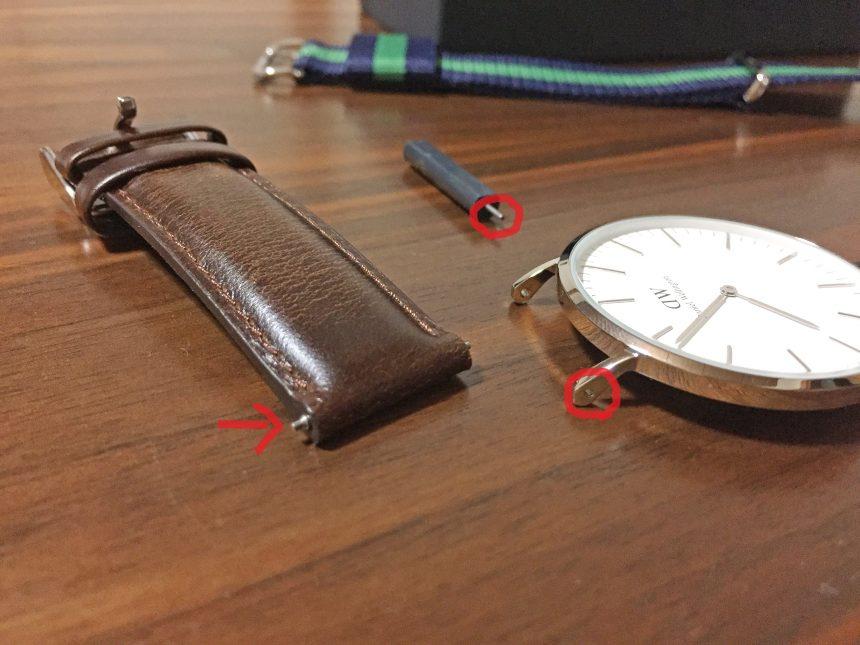 時計ケースとレザーベルトを取り外した状態(ポイントを赤マルで囲んだ状態)