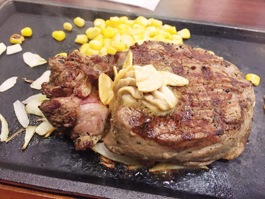 いきなりステーキで注文した巨大なヒレステーキ