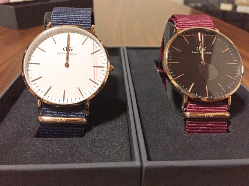 机に並べたダニエルウェリントン新作時計Classic RoselynとClassic Bayswater