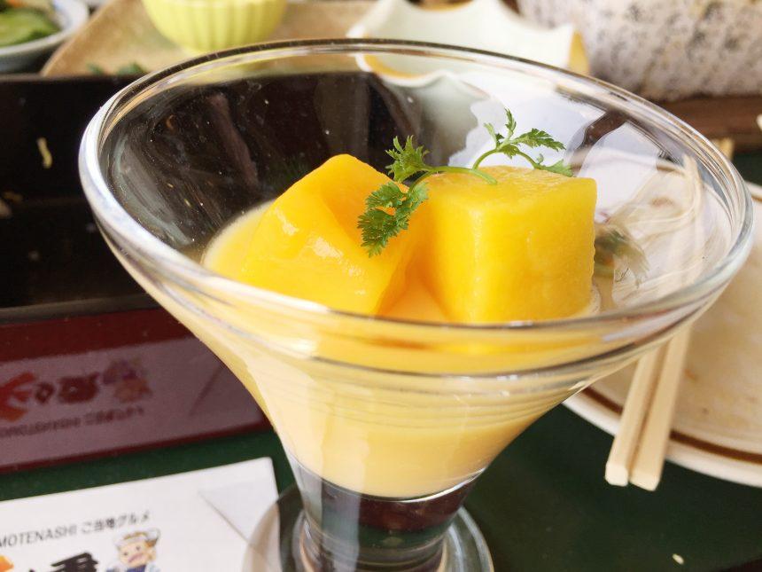 デザートのマンゴー