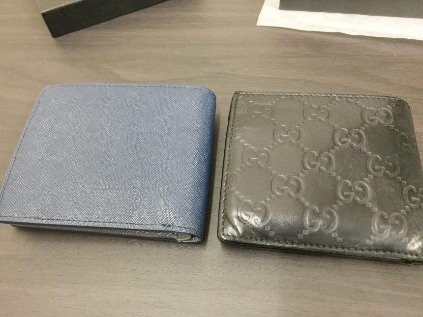 左にユナイテッドアローズサフィアーノ、右にグッチシマ2つ折りを並べて比較した状態