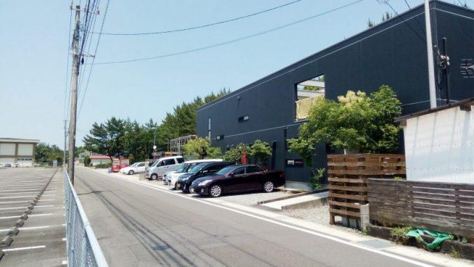 一ッ葉の宮崎県総合自動車運転免許センターの近くにあるルーデリー(店舗外観)
