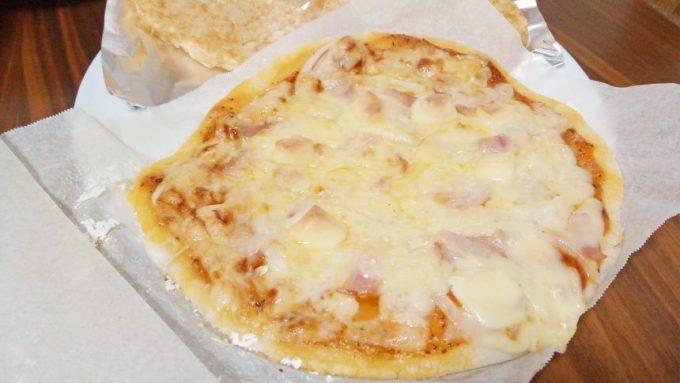 グルテンフリー記事の自家製ピザ
