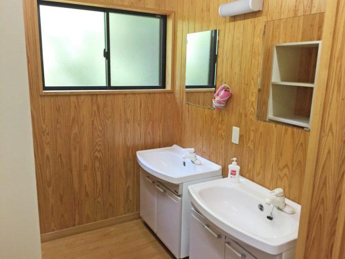 1階の脱衣場兼洗面台