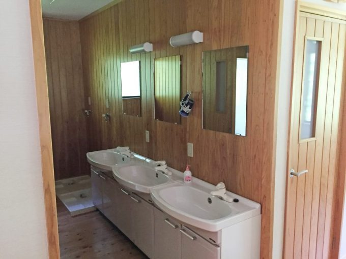 2階の脱衣場兼洗面台