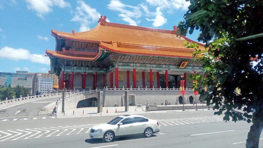 国家音楽ホールか国家劇場(似ているのでどっちかわからないw)