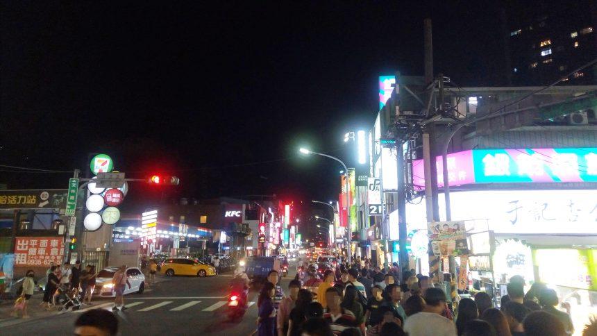 士林夜市の街並み