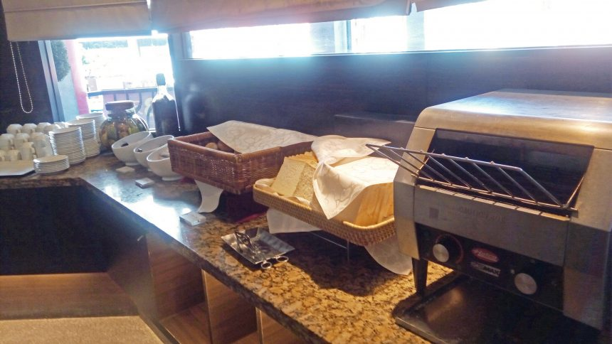 パンとトースター